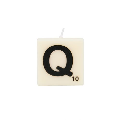 The Gift Label-letter and number candle-Q-web packshot.jpg